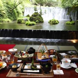 京都貴船 川床と料理