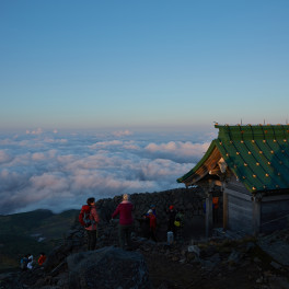 白山奥の院と雲海